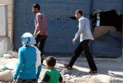 مدينة الرستن كما بدت خلال جولة نظمتها السلطات السورية لعدد من الاعلاميين أمس (لؤي بشارة ــ أ ف ب)