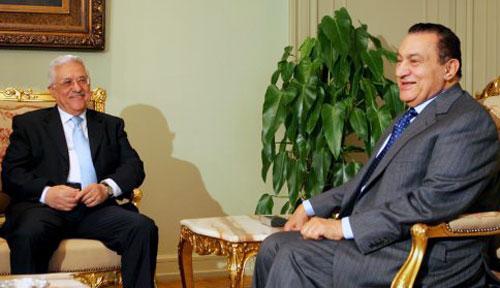 مبارك وعبّاس في القاهرة أمس