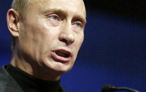 بوتين خلال إلقاء خطاب في موسكو أمس (إيفان سيكريتاريف ــ أ ب)