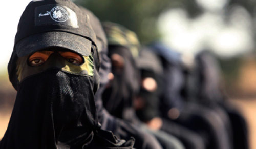 مقاومون من «حماس» يتدرّبون في غزّة أول من أمس (محمد سالم ـــ رويترز)
