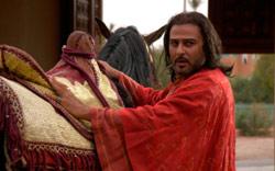 في مشهد من مسلسل «ملوك الطوائف» لحاتم علي