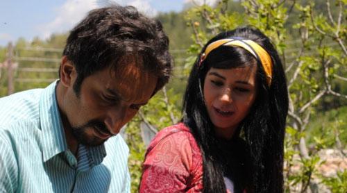 نجلاء الخمري وأحمد الاحمد في مشهد من المسلسل