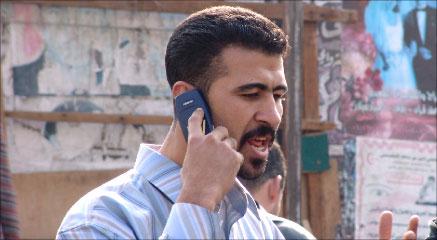 عماد يروي عبر الهاتف ما حدث معه