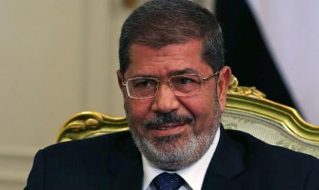 مرسي يعتمد نفس عقلية إدانة الفرد لكي تبدو السلطة مظلومة (مارك ويلسون ـ رويترز)