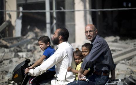 الجيش الإسرائيلي سرح أمس 30 ألف جندي احتياط (محمد الهمس ـ أ ف ب)