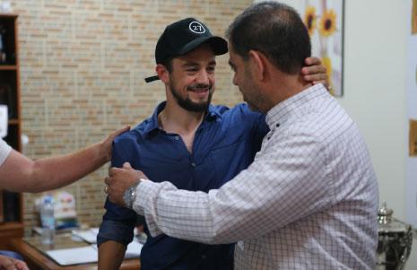 كان أمين سر العهد محمد عاصي في استقبال يونس في المطار