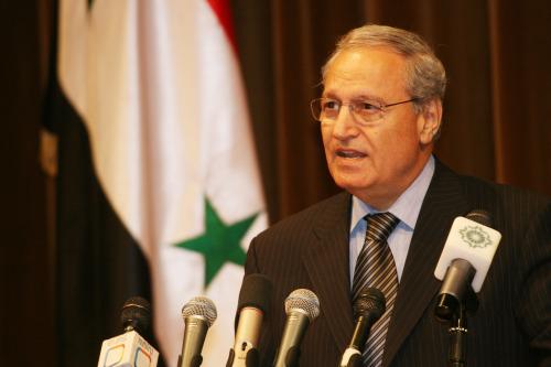 الشرع يتحدّث في مؤتمر «الإعلام العربي والإسلامي الداعم للشعب الفلسطيني» في دمشق أمس (باسم تلّاوي - أ ب)
