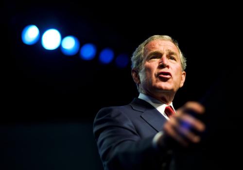 بوش خلال خطاب في نيفادا أمس (مانديل نجان - أ ف ب)