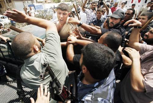 من الاشتباكات الداخلية في يوم «الحسم العسكري» في غزّة في حزيران الماضي (أرشيف ـ رويترز)