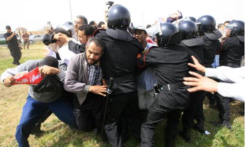 الشرطة المصرية تشتبك مع مناصرين للإخوان المسلمين في القاهرة (أرشيف ــ أ ف ب)