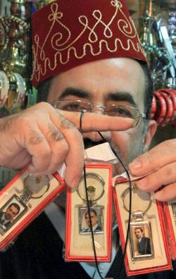 السياسيون اللبنانيون... للبيع (محمد زعتري ــ أ ب)