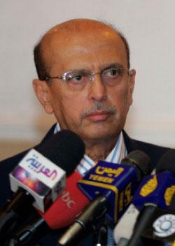 وزير الخارجية اليمني أبو بكر القربي (خالد عبد الله - رويترز)