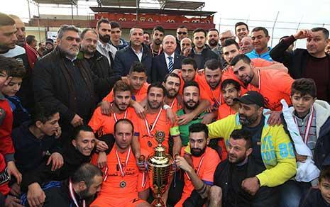 فريق حاروف مع كأس الجنوب (عدنان الحاج علي)