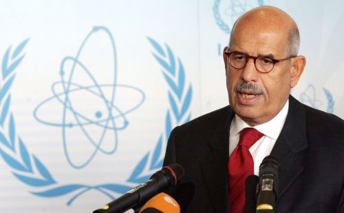 مدير الوكالة الدولية للطاقة الذرية محمد البرادعي في اجتماع مجلس حكام الوكالة في فيينا أمس (رويترز)