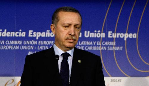 أردوغان خلال مؤتمر صحافي في مدريد امس (سوزانا فيرا ــ رويترز)