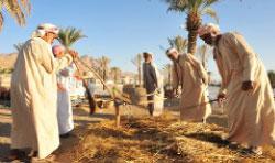 المجتمع العُماني مكوّن من قبائل مُتناحرة ومن عدة مذاهب