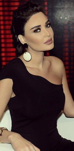 تهرب «ايف» (سيرين عبد النور) من بيروت لتعمل في ماخور في العاصمة السورية (تصوير استديو ذبيان)