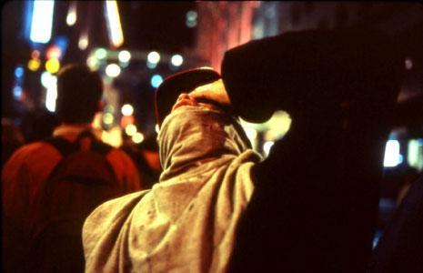 من «في انتظار الغاز المسيل للدموع» (1999 ــ 2000)