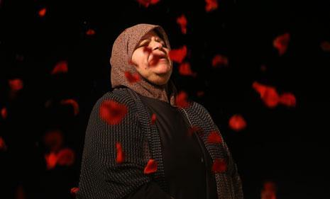 ليلى شحرور في «موت ليلى» (تصوير: دومينيك أوسمان)