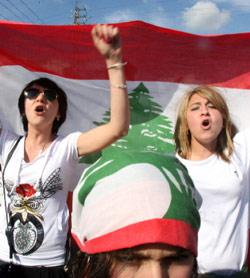 خلال تظاهرة اسقاط النظام الطائفي في جبيل (بلال جاويش)