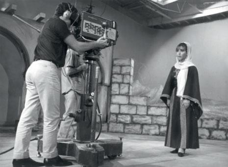 فيروز أثناء تؤدي أغنية «أنا لا أنساك فلسطين» في حزيران (يونيو) عام 1967