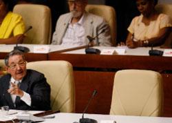كرسي فيديل فارغ وراوول متحدّثاً أثناء جلسة أول من امس