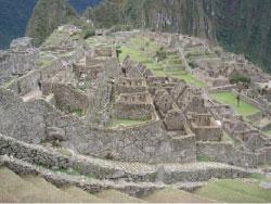 من آثار «الانكا»  في البيرو (جورج شويري)