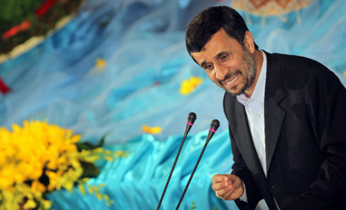 نجاد يحتفل بعيد النوروز الشهر الماضي في طهران (بهروز مهري ــ أ ف ب)