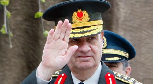 التقى قائد الجيش إلكر باسبوغ بأردوغان لدرس إمكانية السير بالبدل المالي (برهان أوزبيليشي ــ أ ب)