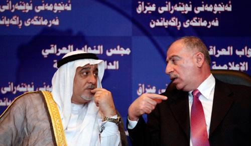 النائبان أسامة النجيفي وشعلان الكريم خلال مؤتمر صحافي أمس (هادي مزبان - أب)