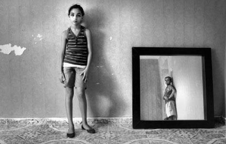 «صبي في المرآة» لرانيا مطر