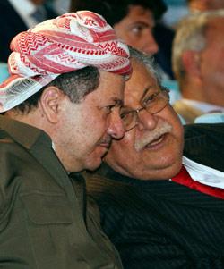 الحزبان الحاكمان متّهمان بقضايا فساد وقمع (سافين حامد ــ رويترز)