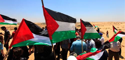 تظاهرة فلسطينية في بيت لاهيا ضد حصار غزّة (ليفتريس بيتراكيس ــ أ ب)