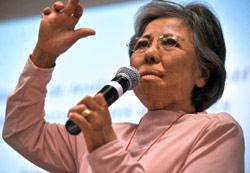 شيجيكو ساساموري، أحد الناجين العشرة من قنبلتي هيروشيما وناكازاكي (ج. أوردونز ــ أ ف ب)