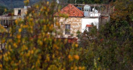 المنزل الذي ولدت فيه الفنانة صباح في بلدتها بدادون (هيثم الموسوي)
