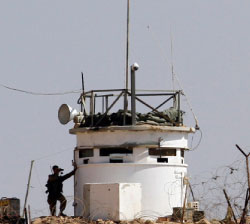 هل الدولة العبرية قادرة على ضرب المنشآت النووية الإيرانية؟ (محمد عبد الغني ــ رويترز)
