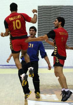 فرحة جنونيّة للبحرين عقب إصابة سعيد جوهر الحاسمة (عدنان حاج علي)