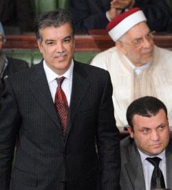 ذياب خلال تقديم الحكومة التونسية أمس (فتحي بلعيد ــ أ ف ب)
