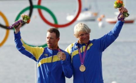 السويد تتذوق طعم الذهب (رويترز)