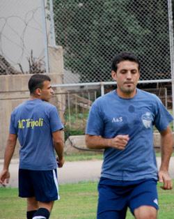 لاعبان من طرابلس الرياضي أثناء التمارين (أرشيف)