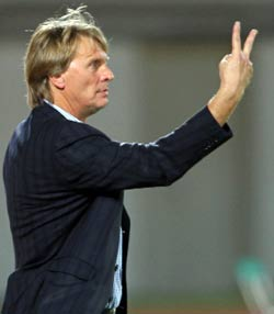 المدرب فولفغانغ سيدكا (كريم صاحب ــ أ ف ب)