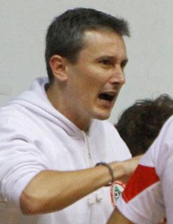 مدرب منتخب لبنان الاسباني باكو أراوجو (مروان بو حيدر)