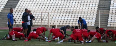يؤكد عددٌ من المدربين أنه غالباً ما يضجر اللاعب اللبناني سريعاً في التمارين