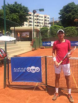 فاز اللبناني روي تابت على الروسي نيكيتا تشوييف 6-3 و6-1