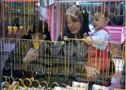 الحركة تعود إلى أسواق طهران بعد الإضراب (كارين فيروز ـ رويترز)