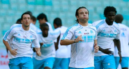 لاعبو مرسيليا في حصّة تدريبيّة استعداداً للموسم الجديد (لوافي لاربي ـ رويترز)