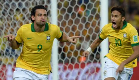 فريد سجل هدفين ونيمار هدفاً في النهائي (فاندرلاي الميدا ــ  أ ف ب)