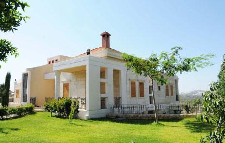 الدراسات المعمارية والمدينية  (رهيف فياض) ـ منزل في أميون