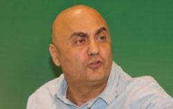 شهوان متحدثاً في المؤتمر الصحافي (عدنان الحاج علي)