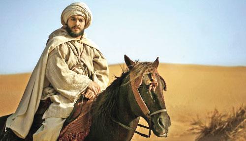شمس الدين زينون في مشهد من الشريط